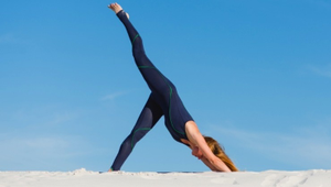 Flying Splits Vinyasa | All Levels