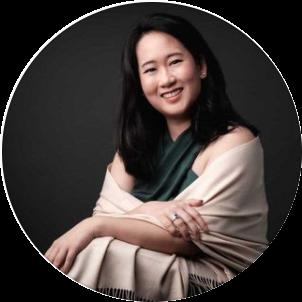 <p>Amanda Ang</p>, <p>@augustbespoke</p>